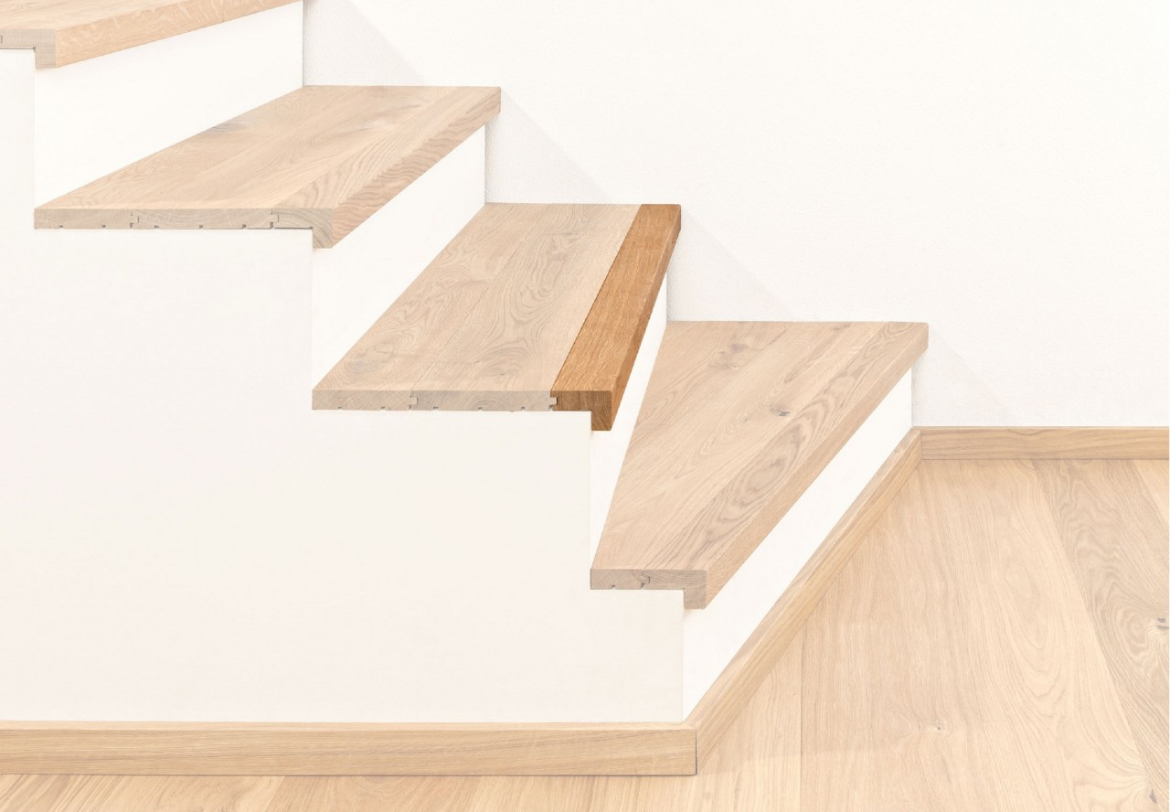Treppenkantenprofil massiv 60 mit Abschluss - 38021
